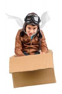 Kinderpilot im Karton